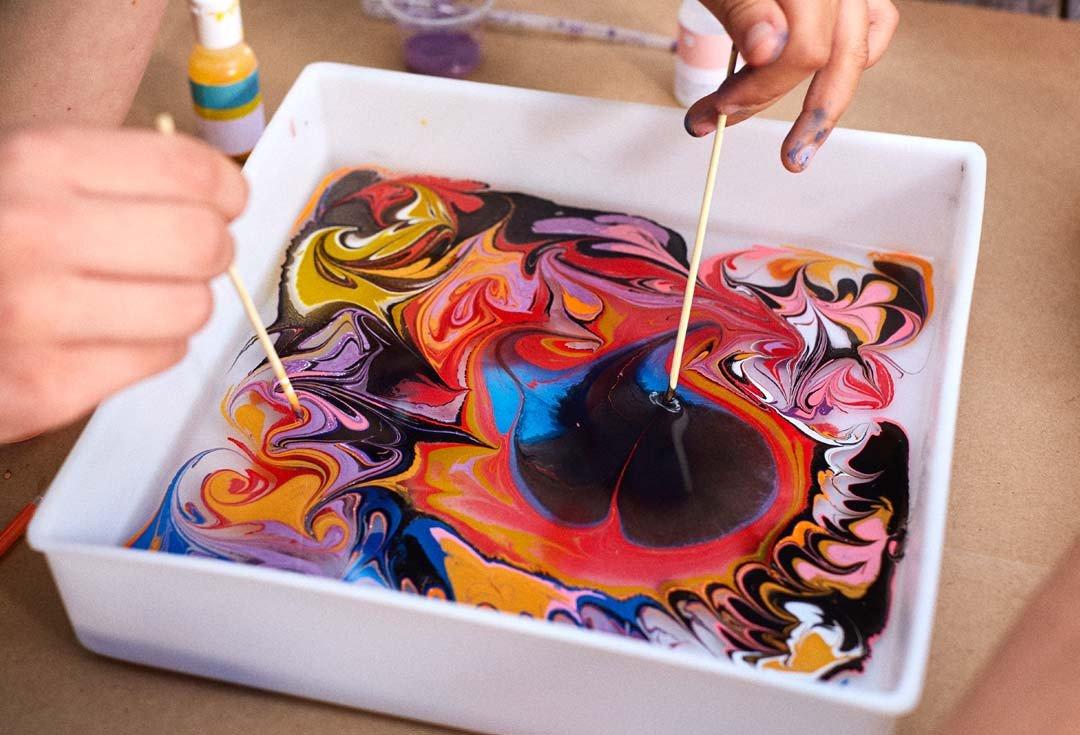 Марблинг - техника рисования на воде, доступная любому человеку
